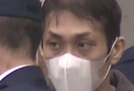 函館市の無職「井上強」。家宅捜査中の警察官と盗んだ450万円を手に帰宅し鉢合わせ。顔画像特定
