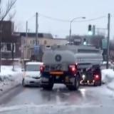 札幌市清田区で車10台が絡む事故が発生。事故の瞬間をとらえた映像がすごい❕ブラックアイスバーンの対処方とは。