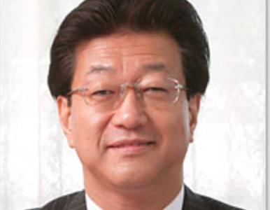 旭川医科大学の吉田晃敏学長が勤務実態のない「学長特別補佐」に事務局から300万円支払わせる。一部は自分の口座へ。金と権力にまみれたパワハラの行方は。