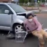 苫小牧の無職・桜庭豊(32)セイコーマート 拓勇西町店の駐車場で軽自動車で暴走し殺人未遂。メディアで放送されないショッキング映像と顔画像。フェイスブックも特定!